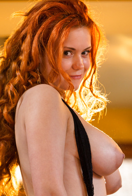 Superdoll Lillith Von Titz is exotic busty redhead