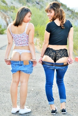Athena And Mindy are First Time nude models
