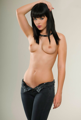 Exciting supermodel Mellisa Clarke