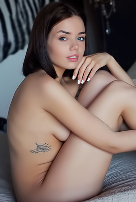 Belarusian Beauty Keira Blue