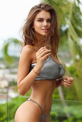 'New Nude Pics' with Viki Odintcova via Mr Skin